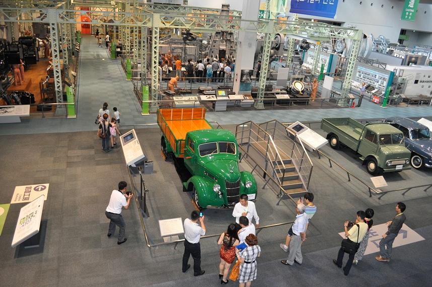 201208 産業技術記念館4