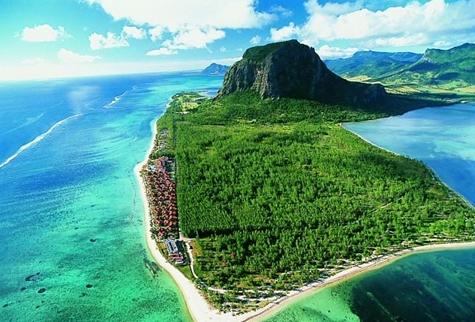 旅を楽しもう!トリップアミューズメント Trip Amusement 一生に一度は行きたい、世界の絶景ビーチ20選!