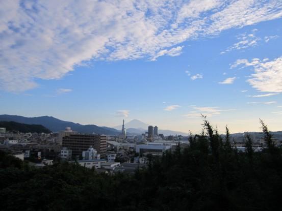 24.9.15八幡山から富士山 004_ks