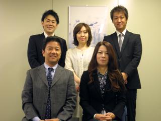 福岡支店のスタッフです。
