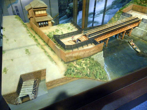 神田上水掛樋模型と石樋の模型