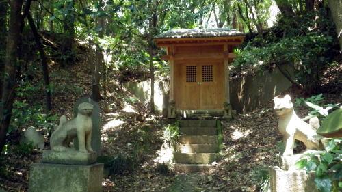 小石川植物園の太郎稲荷