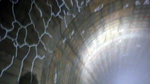 善福寺川取水施設 太いトンネルの壁と屋根