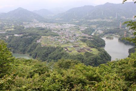 津久井湖西側