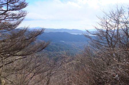 山中湖と箱根の山