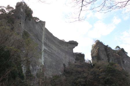 石切場を見上げる