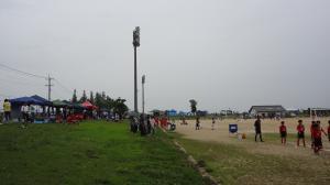 小雨の中試合