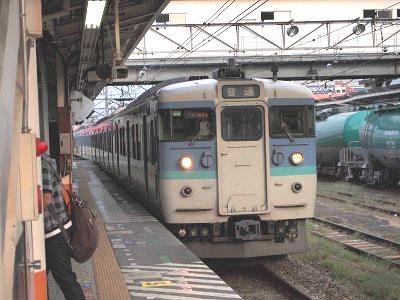 松本行き普通列車