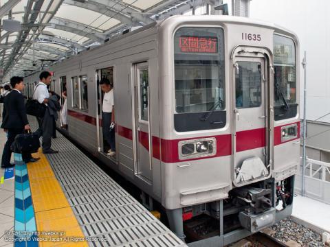 東武10000系電車