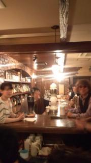 《beer hall CAVERN》店内奥 カウンター