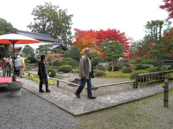 普門寺境内の日本庭園