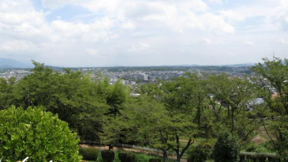 展望台から見た津山市街地
