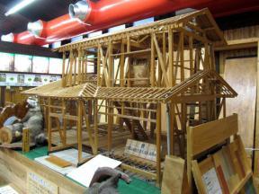 住宅の骨組の模型