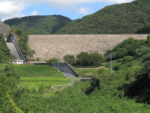 黒谷ダム遠景