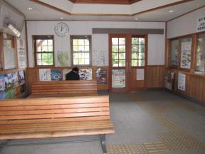 駅舎内 待合室