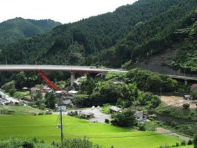ループ橋津山側