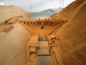 苫田ダムの模型