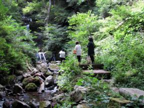 屋敷の滝へ到着