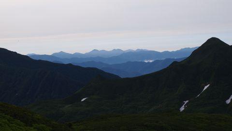 重なる山脈