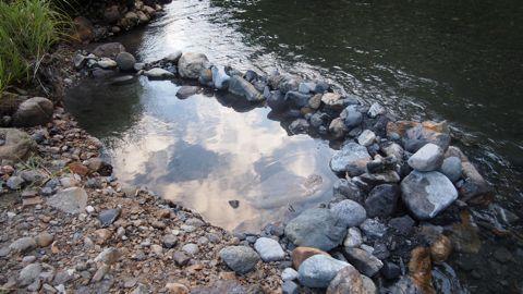 川縁のお風呂