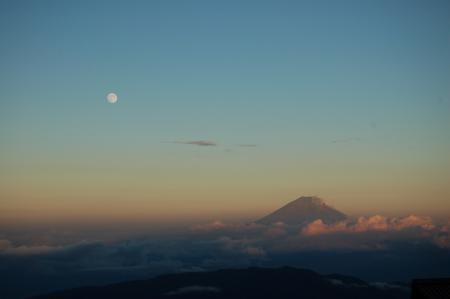87北岳山荘から富士山