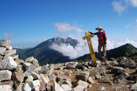 13爺ヶ岳南峰