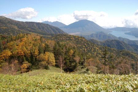 24錫ヶ岳から見る日光連山