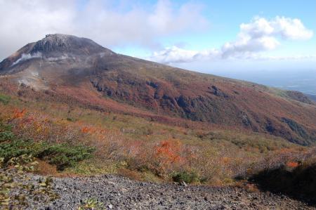5南月山付近からの茶臼岳