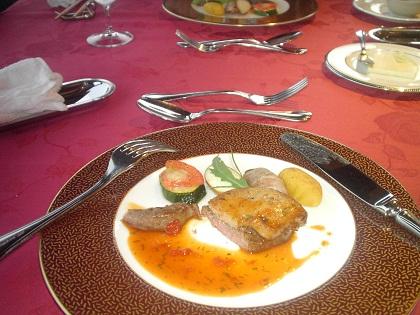 和牛フィレ肉とハンガリー産フォアグラ