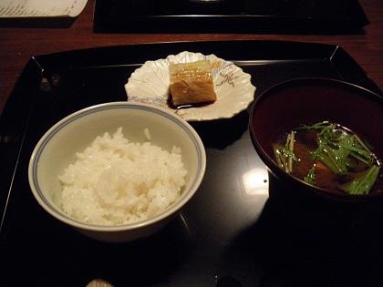 赤味噌と白ご飯