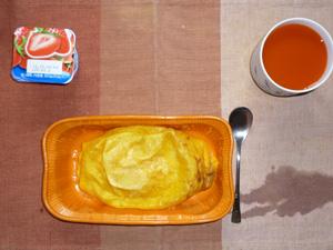 チキンオムレツ,野菜ジュース,ヨーグルト