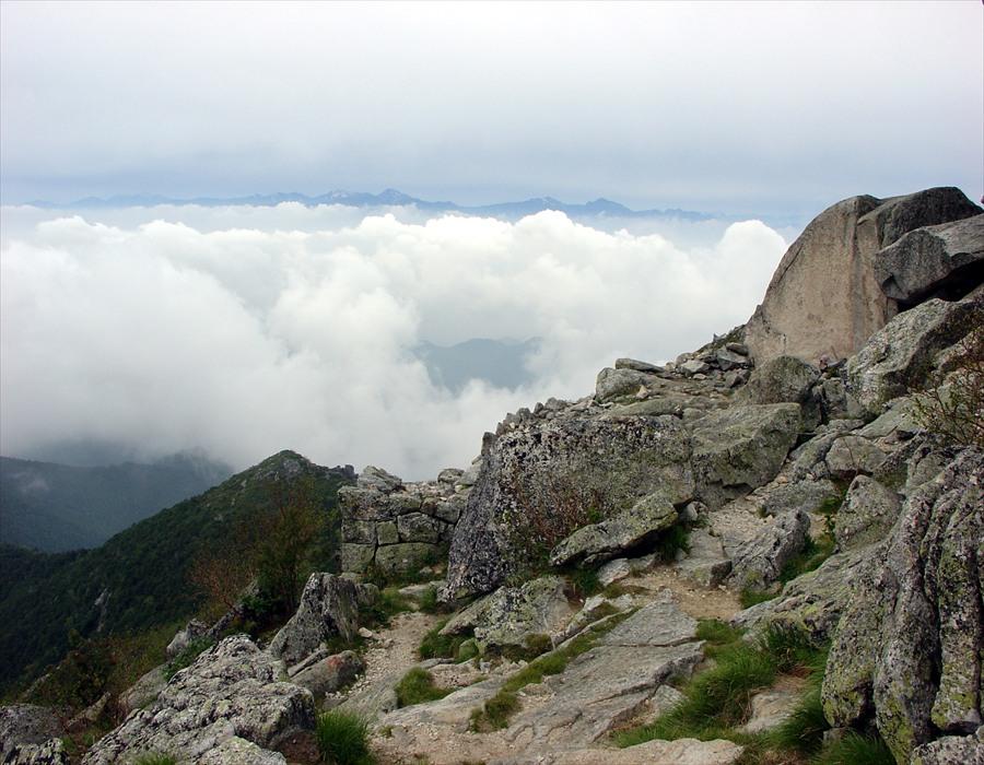 金峰山頂上南アルプス眺め03
