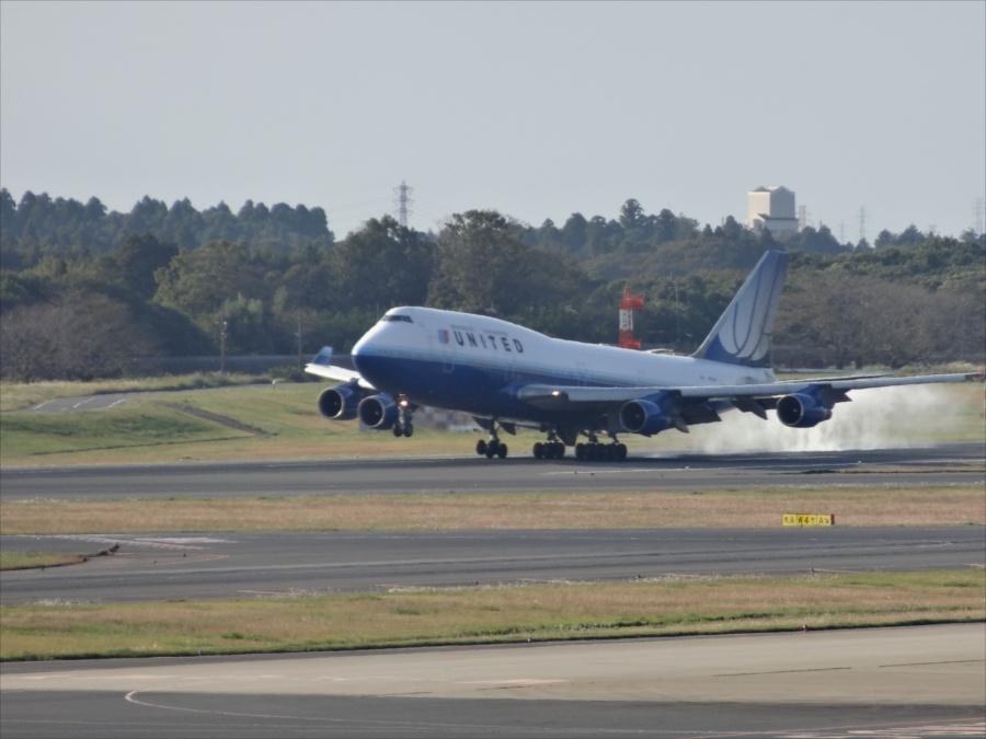 成田空港飛行機着陸