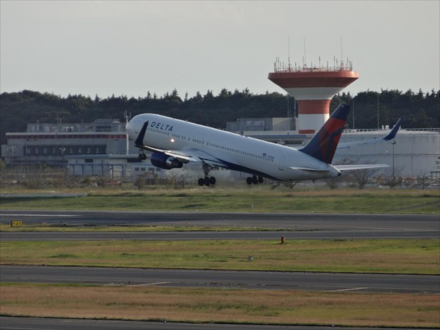 成田空港飛行機離陸