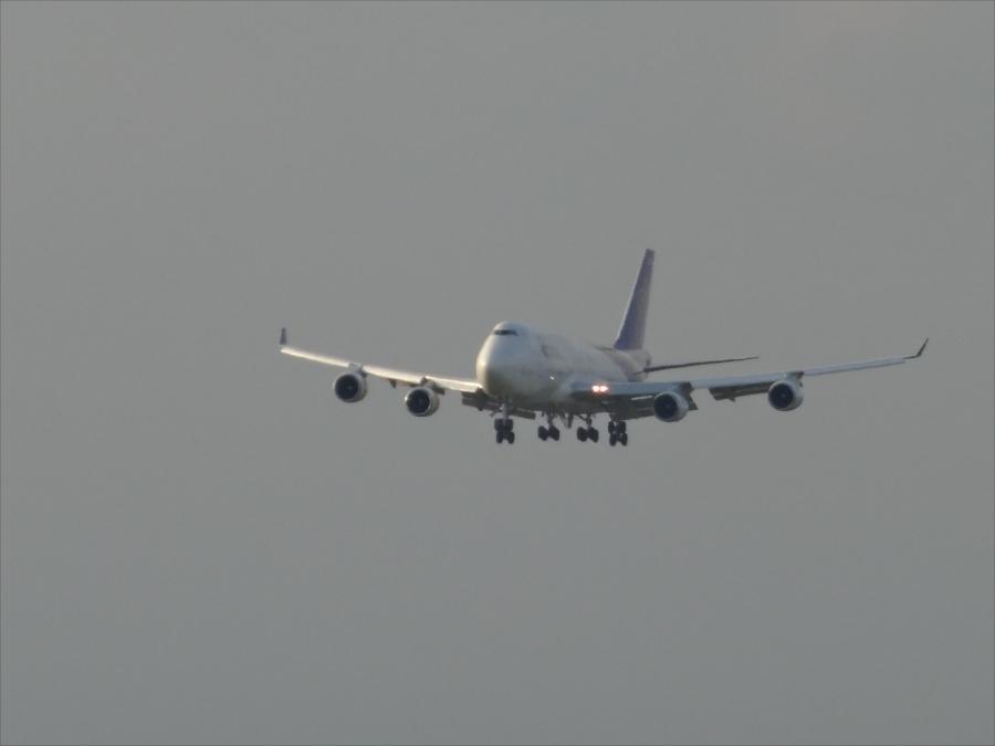 成田空港展望フロア飛行機着陸