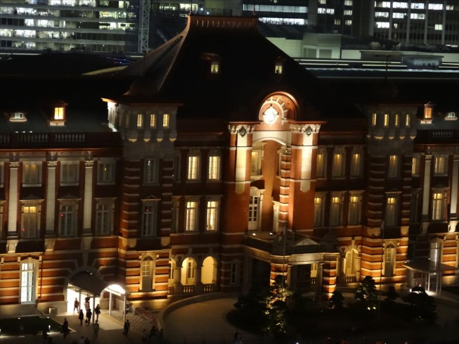 東京駅夜景中央口新丸ビルから