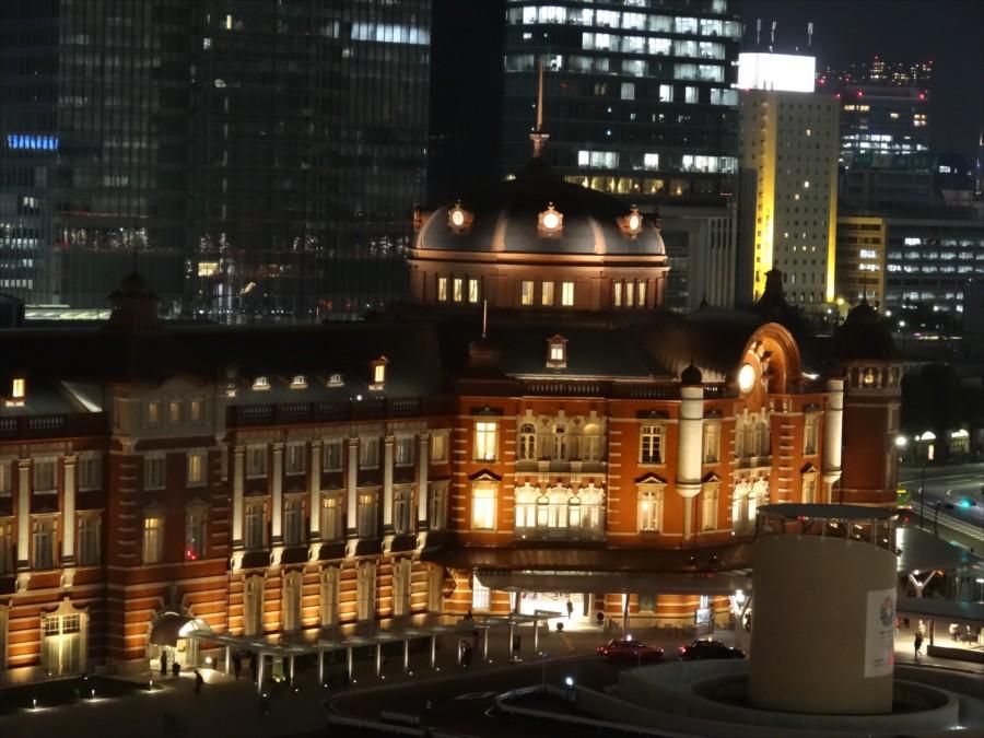東京駅夜景南口新丸ビルから