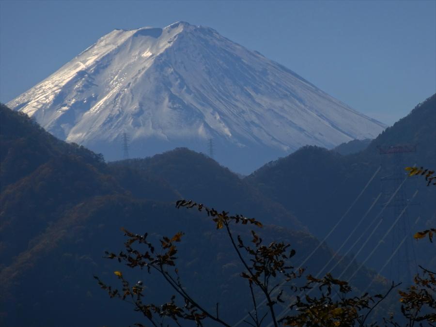 日川渓谷富士山遠景