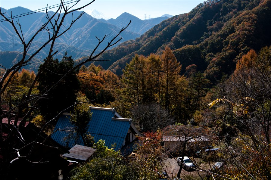 F山梨日川渓谷下り道崖下風景富士山遠望