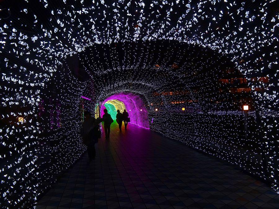 東京ドーム光のトンネル未来への入口00