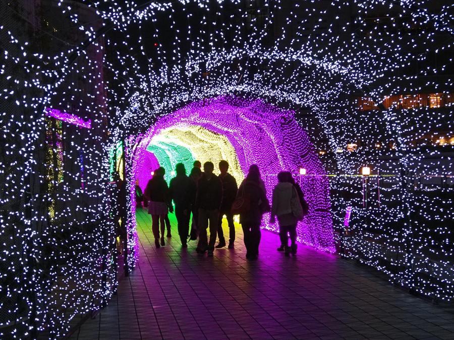 東京ドーム光のトンネル未来への入り口02