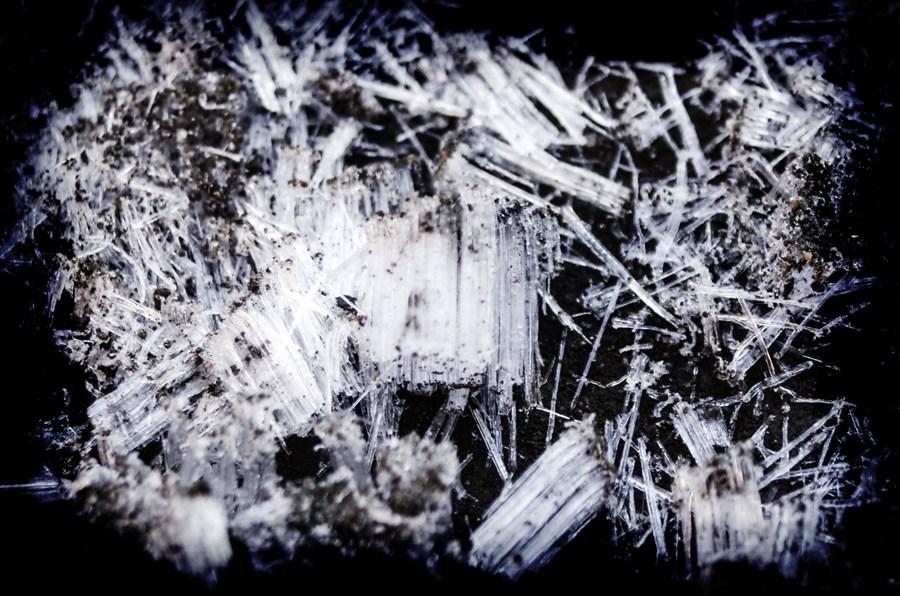 C初霜地面柱状節理