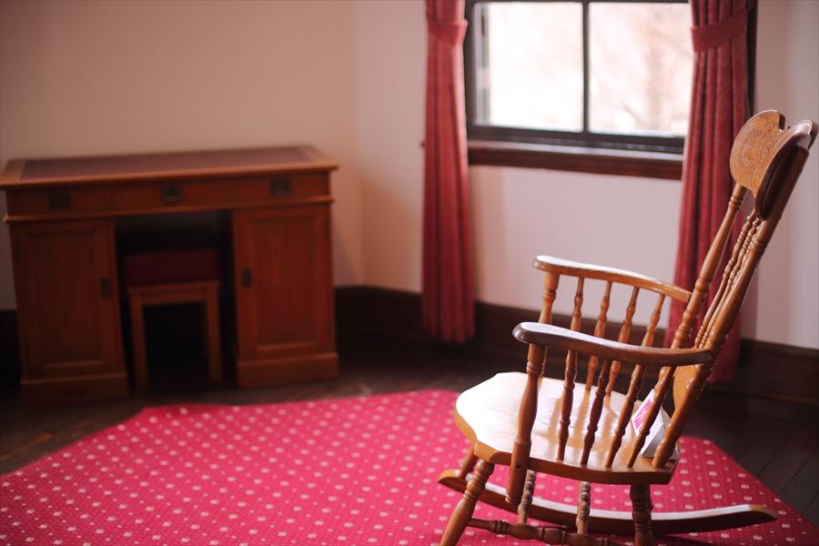 50mm初撮影室内椅子05
