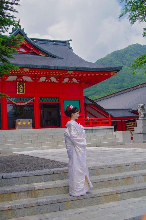 赤城神社撮影会モデル白無垢本殿前14