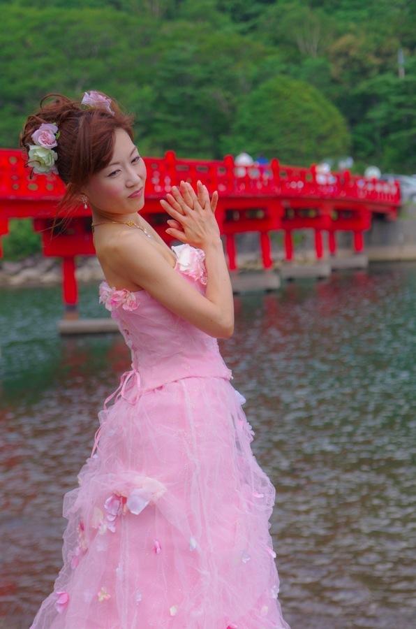 赤城神社撮影会モデルピンクドレス橋前23