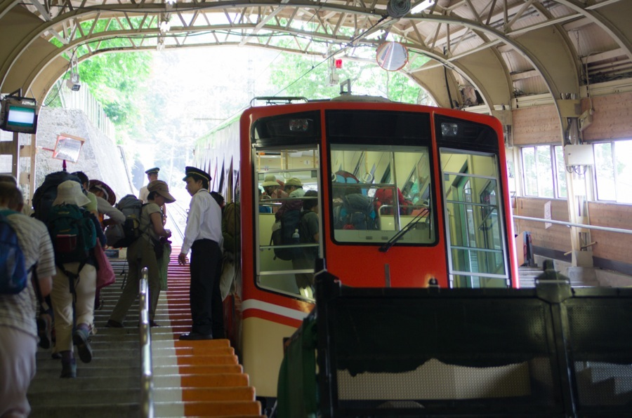 立山ケーブルカー乗車01