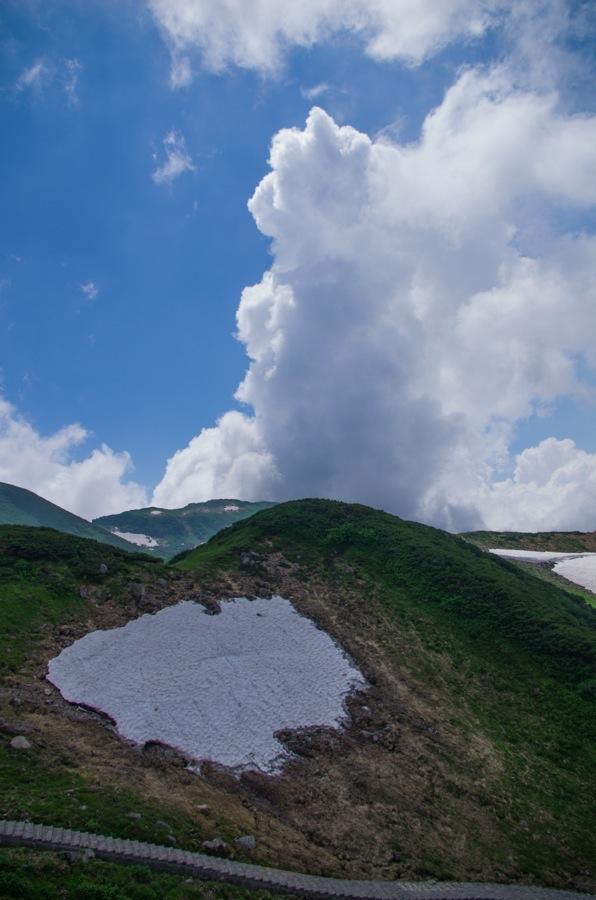 立山みくりが池山荘前涌き上る雲04