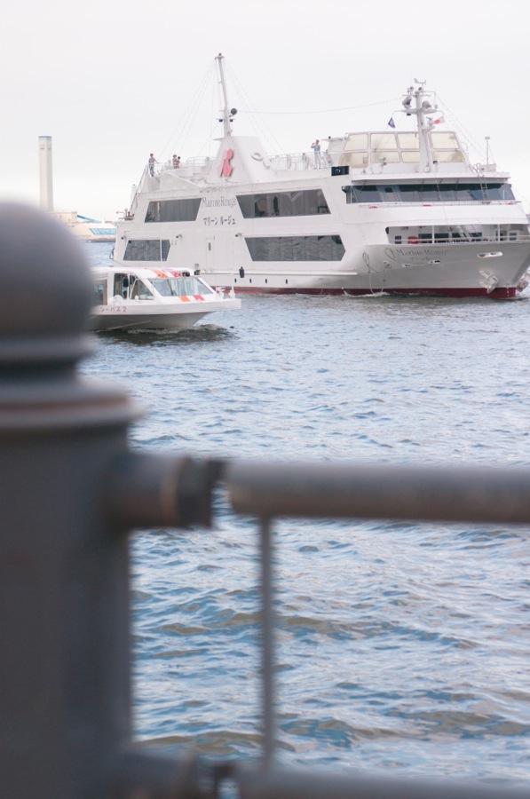 横浜船03客船入港01