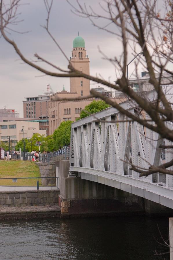 横浜税関04橋を通して01