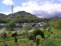 H240503笑う山